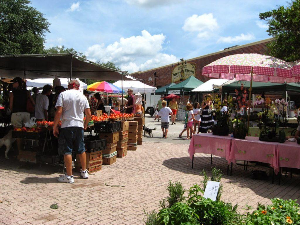farmers market shopping in orlando