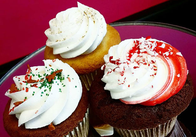 Holiday Cupcakes at Jillycakes